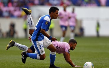 Лудост заради COVID-19: Футбол без единоборства