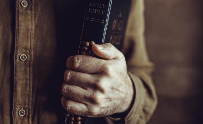 Свещеникът, който имаше номера на Ада – главният екзорсист на Ватикана