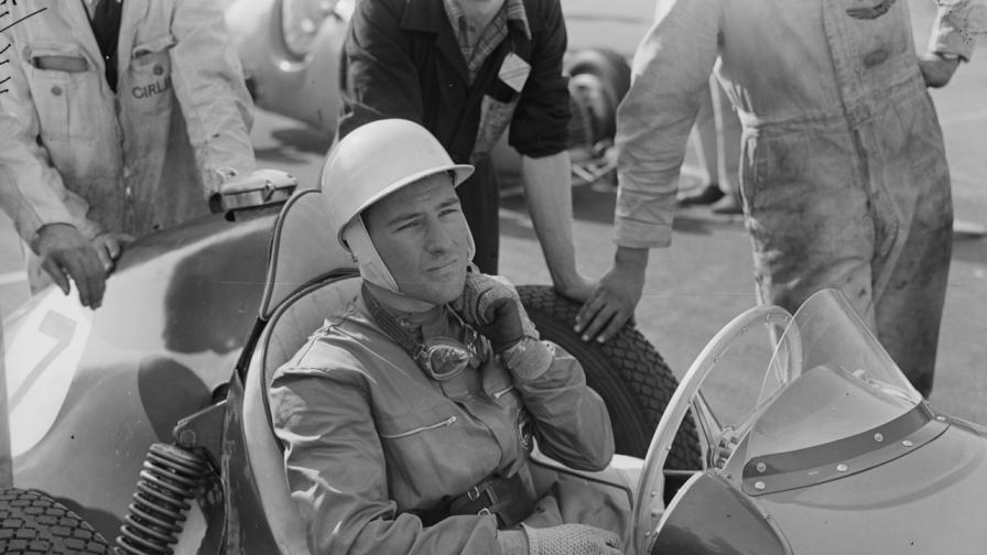 Почина легендарният автомобилен състезател сър Стърлинг Мос