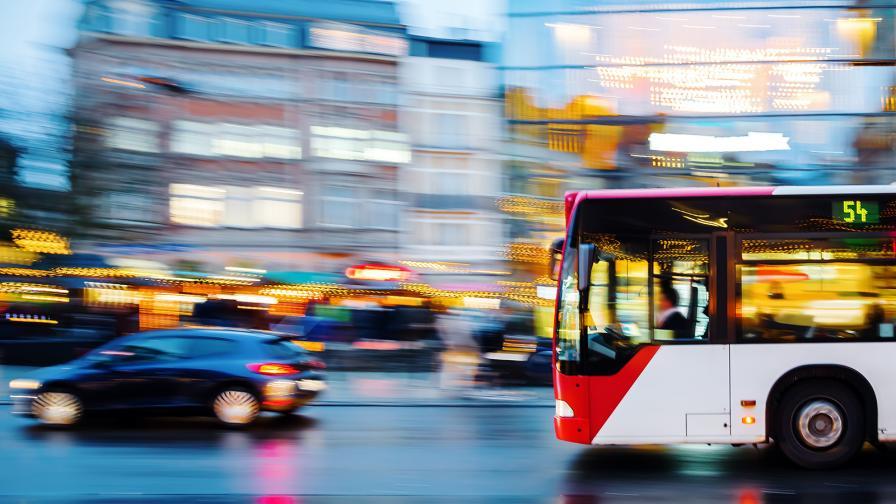 <p>Covid-19 ще свали хората от обществения транспорт</p>