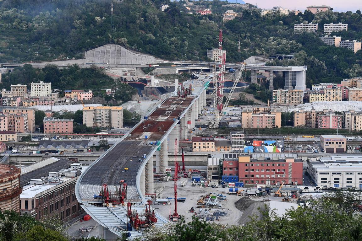 <p>&quot;Мостът може да бъде открит в края на юни или началото на юли&quot;, каза кметът Марко Бучи и добави: &quot;Той ще е за пример на цяла Италия, а не само за Генуа&quot;.</p>
