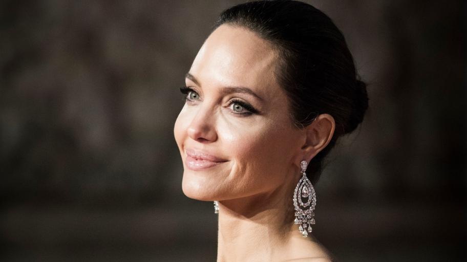 """Анджелина Джоли: """"Не ме бива да бъда традиционна майка"""""""