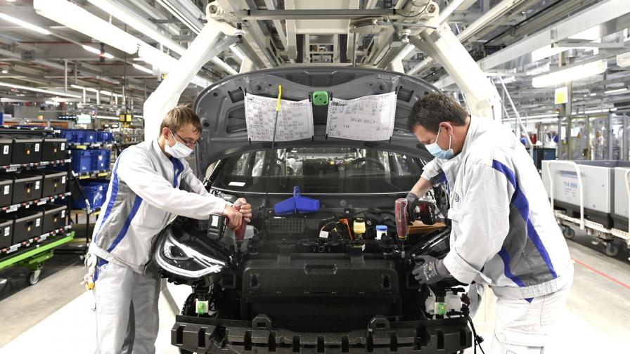 Volkswagen рестартира производството в Цвикау, където прави електрическия ID.3