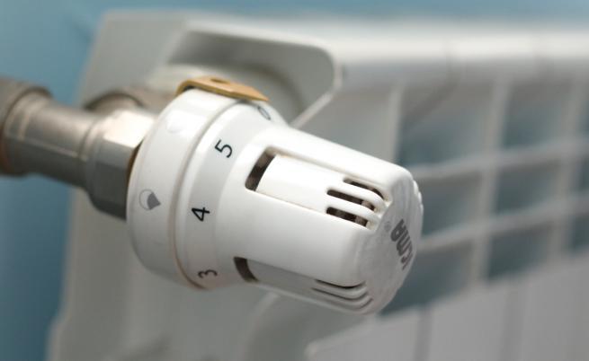 КЕВР: Цената на топлоенергията да поевтинее средно с 2,34% от 1 май