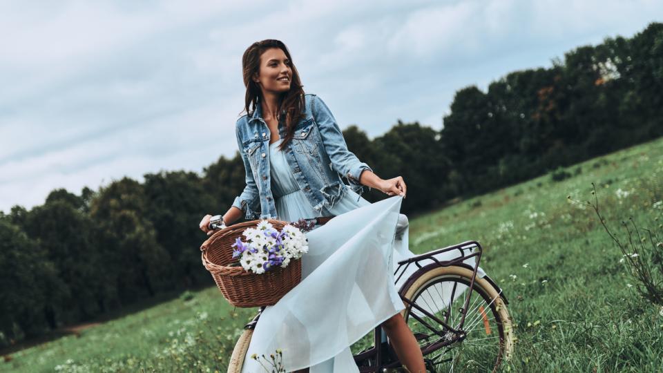 жена природа пролет рокля колело