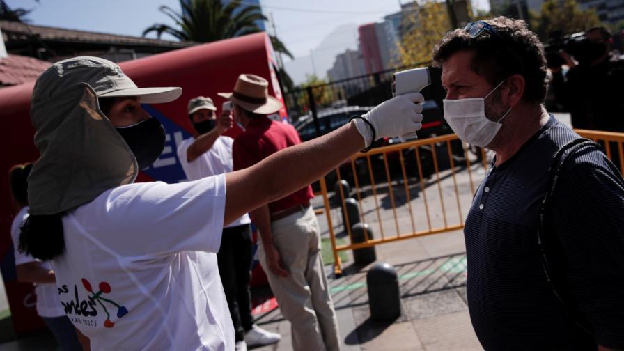 Чили наложи пълна блокада на столицата Сантяго