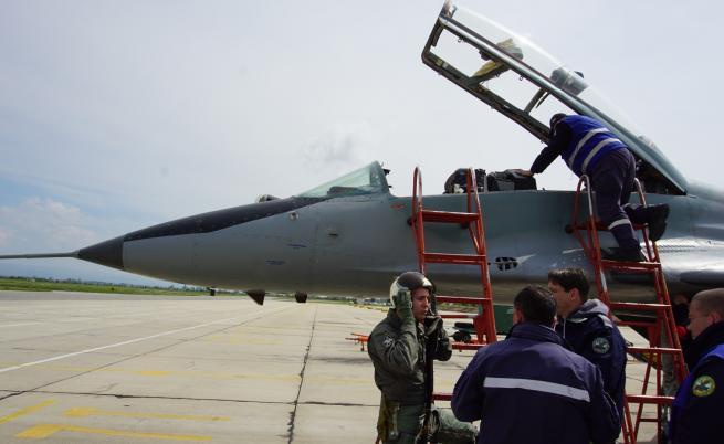 Български самолети ескортирали руски бомбардировачи