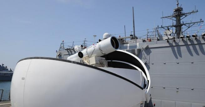 Свят САЩ тестваха първото в света лазерно оръжие Бойният кораб