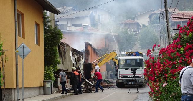България Три къщи горяха в Бобошево, жена пострада леко Три
