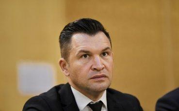 Спортният министър в Румъния с интервю... по гащи