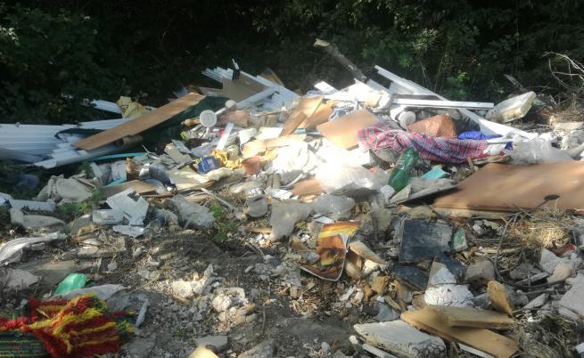 След прокурорски проверки: Разкриха 1426 незаконни сметища