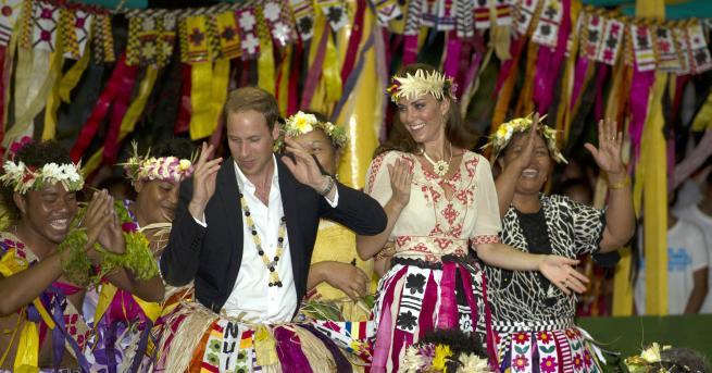 Любопитно Кой от кралското семейство обича да танцува? Вижте: 31