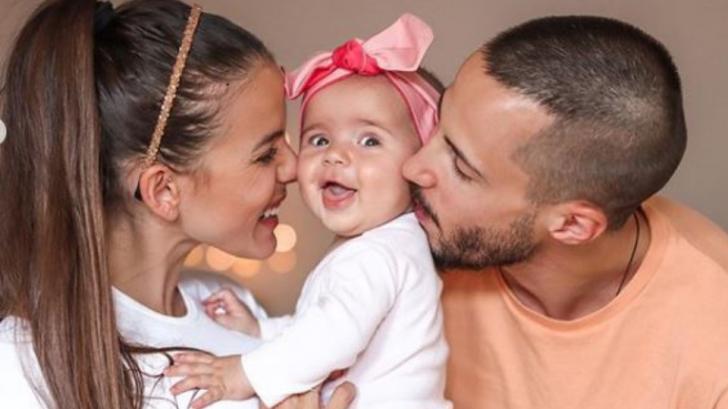 Пораснало момиче: Наум Шопов и Теа споделиха снимки на 6-месечната Амая