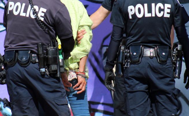 DW: Защо полицията в САЩ е толкова могъща