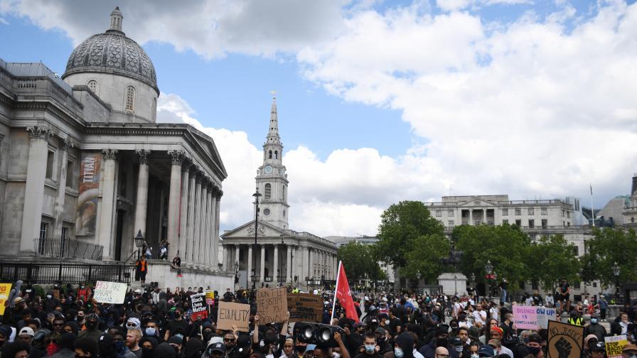 <p>До 10 г. затвор за оскверняване на паметници във Великобритания&nbsp;&nbsp;</p>