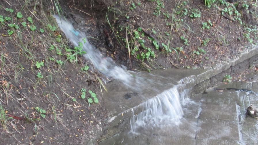 Поройни дъждове наводниха две села във Великотърновско