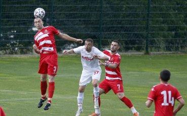 Двама футболисти на Беласица преминаха в Кариана