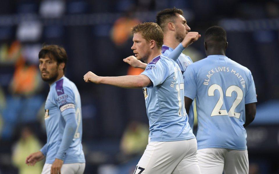 Актуалният шампион на АнглияМанчестър Сити играе срещуАрсенал при резултат 3:0