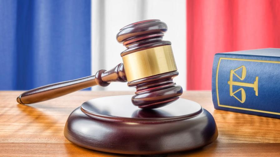<p>Френският съд отхвърли почти целия закон за цензурата в интернет</p>