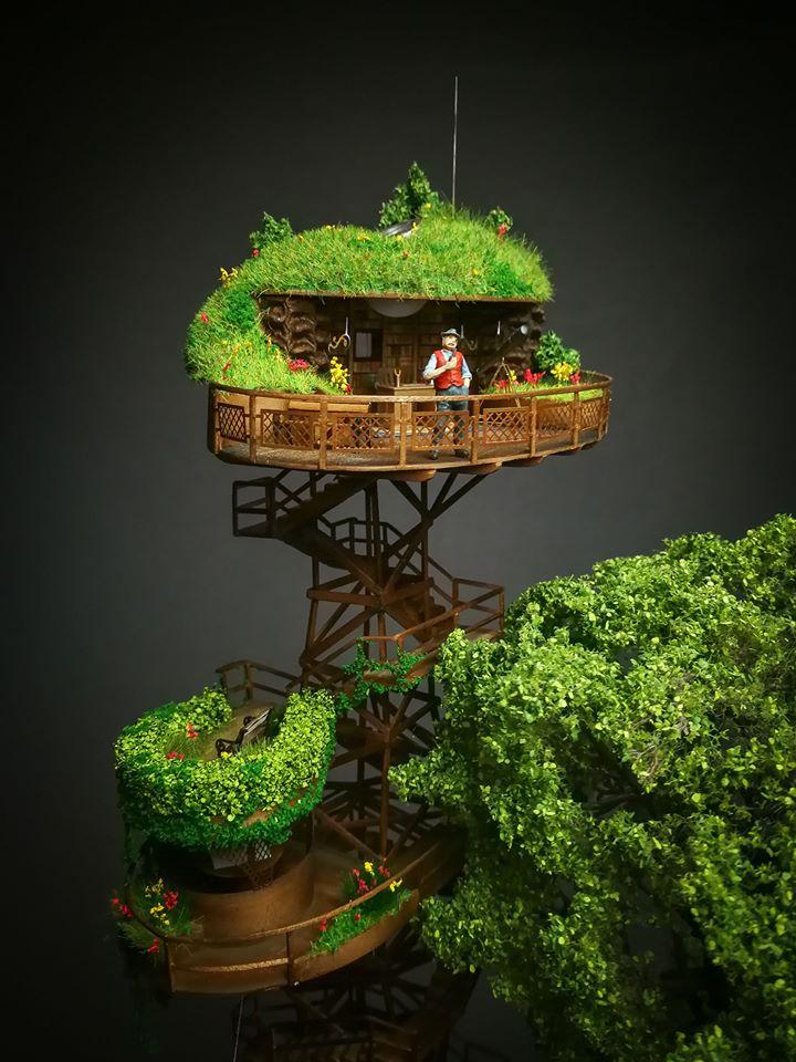 <p>Къщите са обградени от зеленина и прекрасни градини, които ни пренасят в един магичен свят.&nbsp;</p>