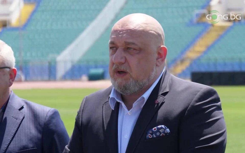 Силни кандидати за президент на БФС очаква министърът на спорта