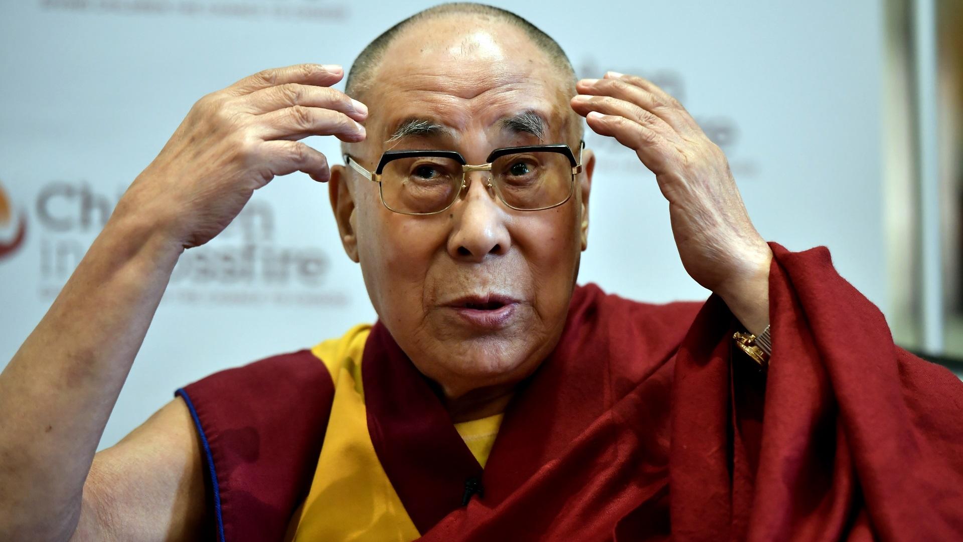 <p><strong>Далай Лама за хомосексуалността</strong></p>  <p>&bdquo;От будистка гледна точка мъж с мъж и жена с жена се счита за сексуално нарушение&rdquo;. Далай Лама заявява, че хомосексуалността не е позволена в будизма, но за неверниците е приемлива.</p>