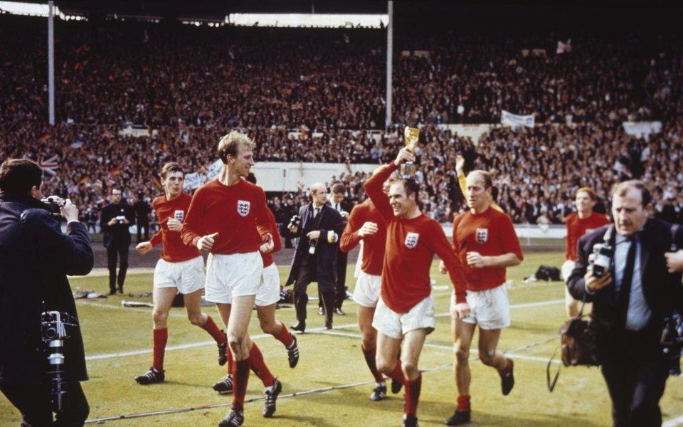 Английската футболна легенда Джак Чарлтън почина на 85-годишна възраст. Чарлтън