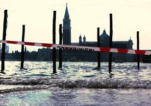 Венеция изпитва системата си срещу наводнения