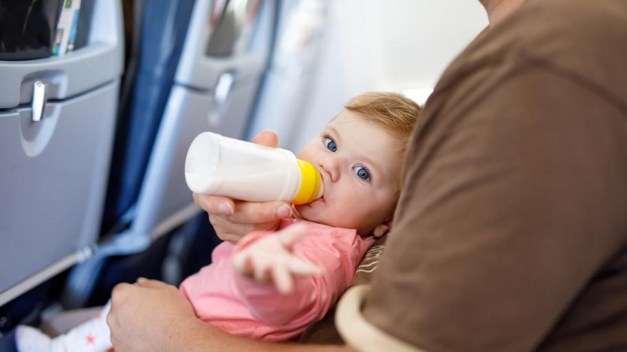 С бебе в самолета: Мисия (не)възможна