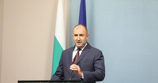 България Радев: Никакви прегрупирания в кабинета няма да спасят държавността