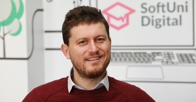 България Светлин Наков, основател на СофтУни: Страхът от дигитализация беше