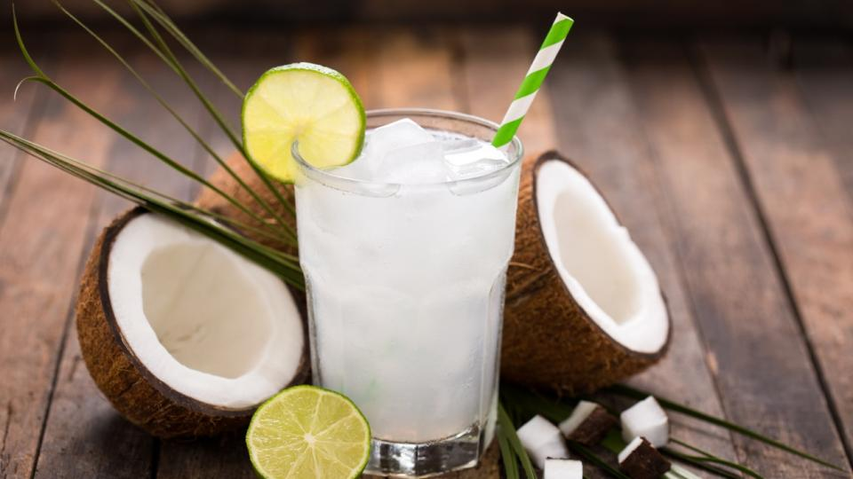кокос вода полезно напитка здравословно