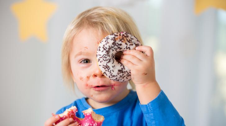 Колко захар е безопасно да даваме на едно дете (и как да я ограничим)