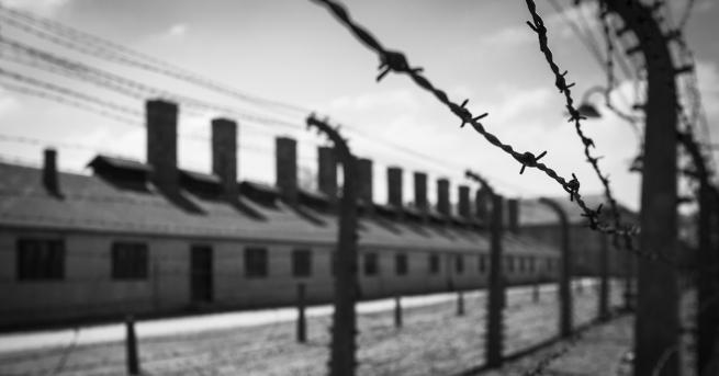 Любопитно Нацистката надзирателка, която бе спасена от собствените си пленнички