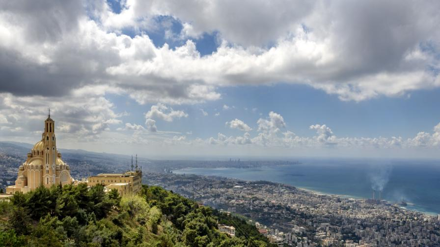 <p>Бейрут след експлозиите: най-чаровният квартал е в руини</p>