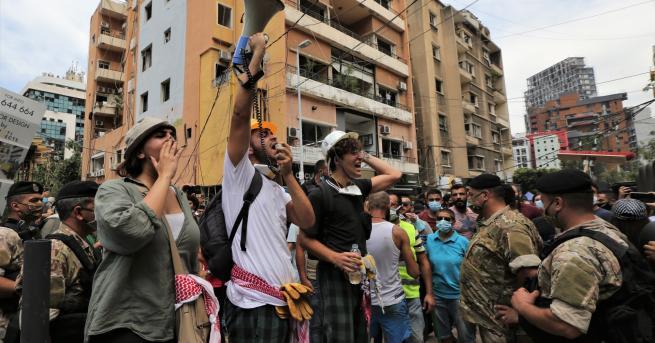 Свят Какви ще са политическите последици на експлозиите в Ливан