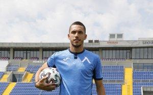 Левски прие две оферти за Станислав Иванов, на ход е играчът