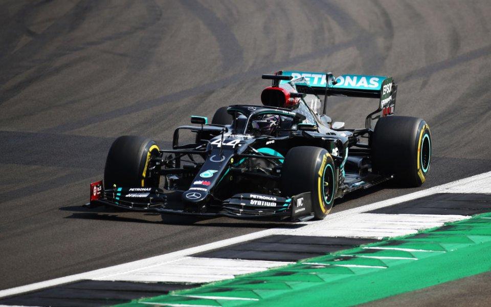 Мерцедес ще остане във Формула 1 със заводски отбор поне