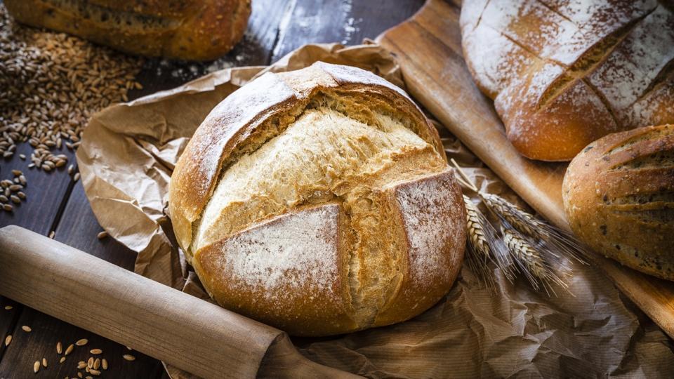 хляб тесто брашно месене
