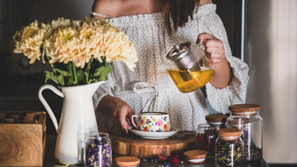 чай жена чайове