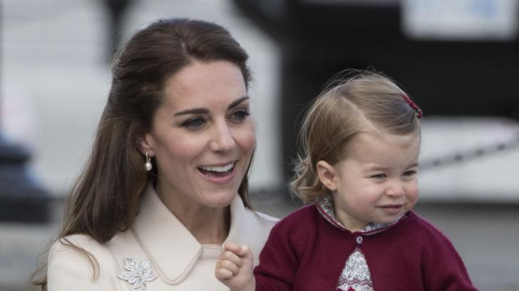 Принцеса Шарлът доказва, че е родена да бъде кралска особа