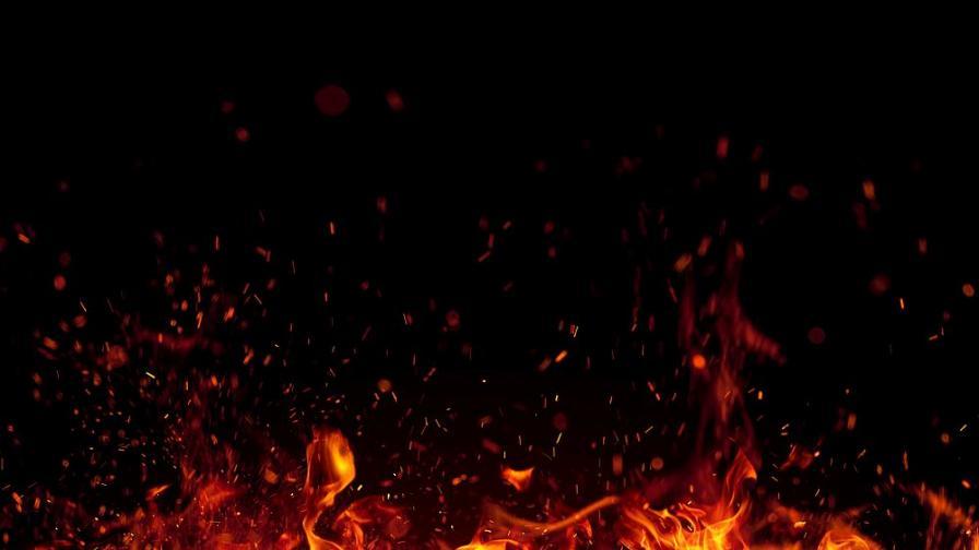 Голям пожар в склад в Ямбол