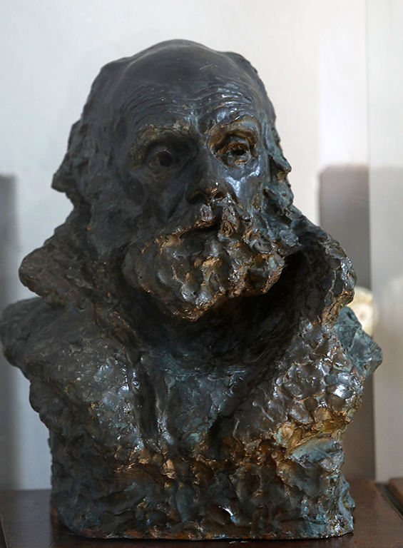 <p>Андрей Николов (1878-1959), Глава на мъж, 1928, бронз</p>  <p>Andrey Nikolov (1878-1959), Head of a Man, 1928, bronze</p>