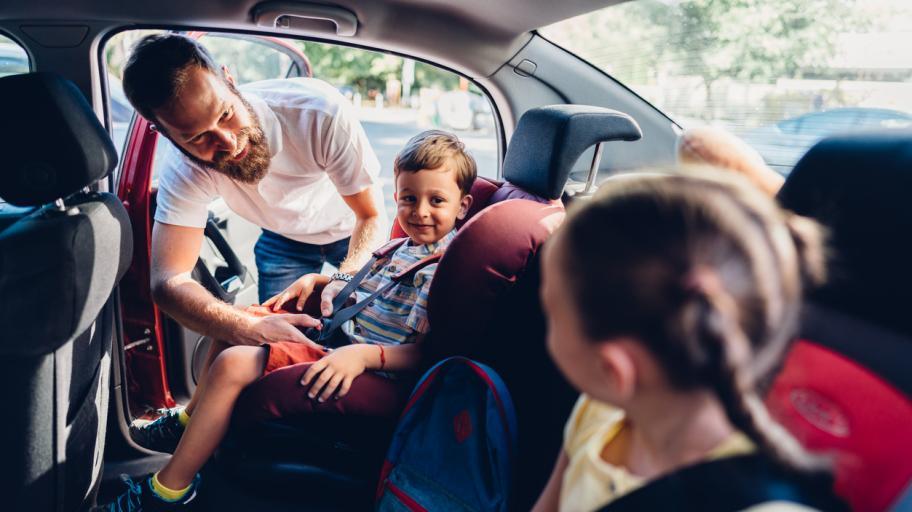 С деца на море и планина: как да сме подготвени за всяка ситуация