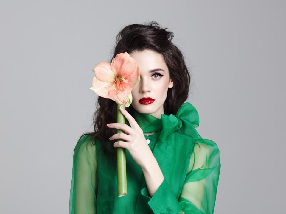 жена красота грим маска цвете