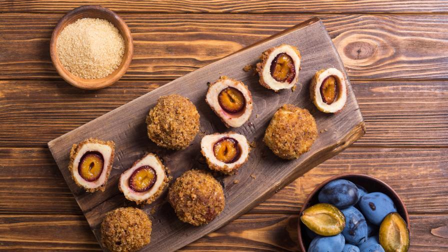Истински кулинарен шедьовър: Кнедли със сини сливи