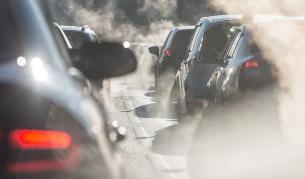 <p>Проучване: колите не са основен замърсител на въздуха</p>