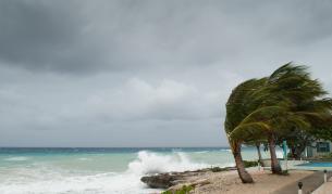 Мощна буря удари Гърция, обявиха извънредно положение