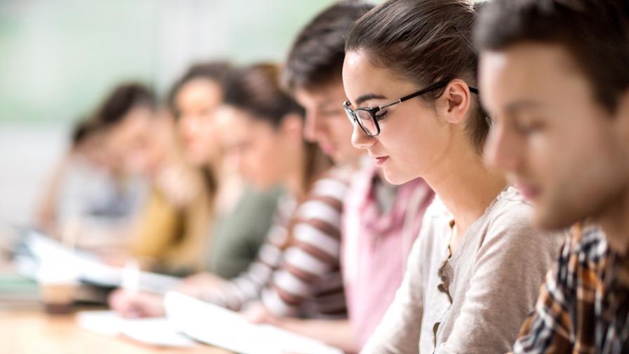 Държавата ще плаща следването на студенти, които ще работят в български компании