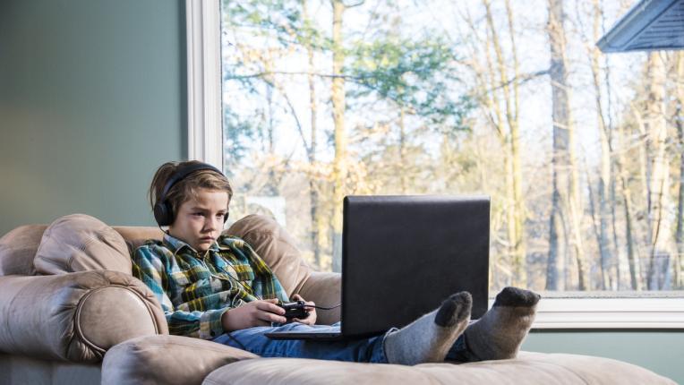 6 признака, че детето има компютърна зависимост
